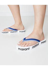 ISABEL MARANT - Japonki Tae. Okazja: na co dzień. Kolor: niebieski. Materiał: materiał. Wzór: paski, aplikacja. Styl: wakacyjny, casual