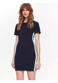 Niebieska sukienka TOP SECRET w kolorowe wzory, elegancka, na zimę, z krótkim rękawem
