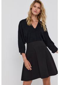 MAX&Co. - Sukienka. Kolor: czarny. Materiał: dzianina. Wzór: gładki. Typ sukienki: rozkloszowane