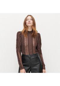 Brązowa bluzka Reserved w ażurowe wzory, ze stójką