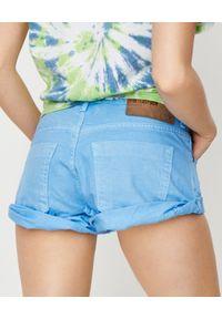 ONETEASPOON - Niebieskie spodenki Bandits. Stan: obniżony. Kolor: niebieski. Materiał: jeans. Wzór: aplikacja. Styl: wakacyjny, klasyczny