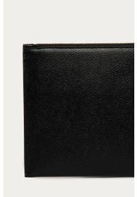 Czarna kopertówka Furla