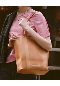 BALAGAN - Beżowa torebka SAL TOTE PION. Kolor: beżowy. Styl: klasyczny, casual