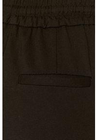 Czarne spodnie materiałowe Vero Moda na co dzień, gładkie, casualowe