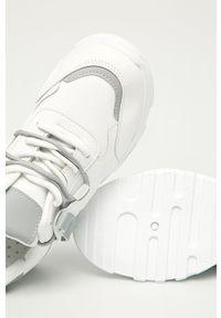 Białe buty sportowe Answear Lab na obcasie, na sznurówki, na średnim obcasie