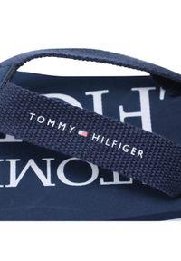 TOMMY HILFIGER - Tommy Hilfiger Japonki Logo print Flip Flop T3B0-30982-0058 S Granatowy. Kolor: niebieski. Wzór: nadruk