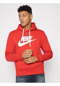 Nike Bluza Nsw Club BV2973 Czerwony Standard Fit. Kolor: czerwony