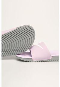 Fioletowe klapki Nike Kids