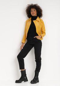 Born2be - Żółta Ramoneska Celape. Kolor: żółty. Materiał: tkanina