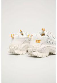 Białe sneakersy CATerpillar z cholewką, na obcasie, na średnim obcasie