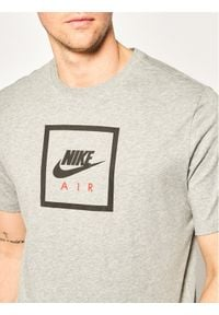 Nike T-Shirt Air BV7639 Szary Standard Fit. Kolor: szary