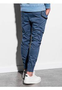 Ombre Clothing - Spodnie męskie joggery P908 - niebieskie - XXL. Okazja: na co dzień. Kolor: niebieski. Materiał: bawełna, elastan. Wzór: aplikacja. Styl: klasyczny, casual
