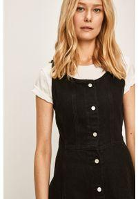 Czarna sukienka Levi's® w kolorowe wzory, na ramiączkach