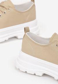 Born2be - Ciemnobeżowe Trampki Epona. Nosek buta: okrągły. Kolor: beżowy. Materiał: materiał, guma. Szerokość cholewki: normalna. Obcas: na obcasie. Styl: klasyczny, elegancki