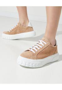 Casadei - CASADEI - Zamszowe beżowe sneakersy Off-Road. Nosek buta: okrągły. Kolor: brązowy. Materiał: zamsz