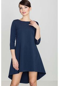 Katrus - Granatowa Asymetryczna Sukienka z Plisami. Kolor: niebieski. Materiał: wiskoza, poliester. Typ sukienki: asymetryczne