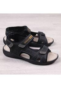 Skórzane sandały męskie czarne na rzepy Gregor 1192. Zapięcie: rzepy. Kolor: czarny. Materiał: skóra
