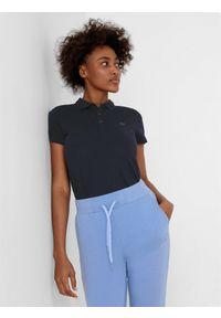 4f - Koszulka polo regular damska. Typ kołnierza: polo. Kolor: niebieski. Materiał: bawełna, materiał