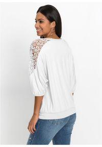 Shirt oversize z koronką bonprix biel wełny. Kolor: biały. Materiał: koronka, wełna. Wzór: koronka