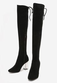 Born2be - Czarne Kozaki Tumwater. Nosek buta: okrągły. Zapięcie: pasek. Kolor: czarny. Szerokość cholewki: normalna. Obcas: na obcasie. Wysokość obcasa: wysoki