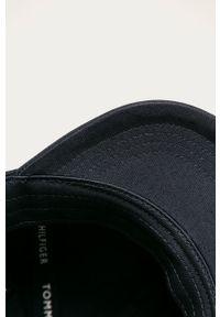 Niebieska czapka z daszkiem TOMMY HILFIGER
