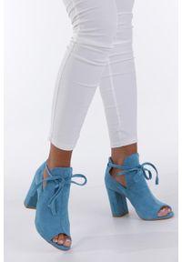 Niebieskie botki Casu z otwartym noskiem, na wiosnę
