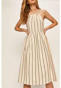 Biała sukienka ANSWEAR prosta, casualowa