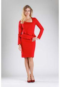 Czerwona sukienka wizytowa Nommo wizytowa, z falbankami