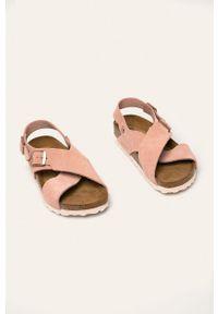 Różowe sandały Birkenstock bez obcasa, gładkie, na klamry