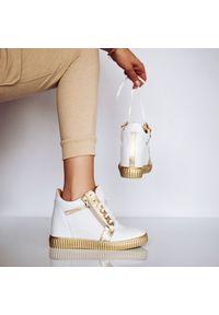 Białe buty sportowe Arturo Vicci na koturnie, na sznurówki