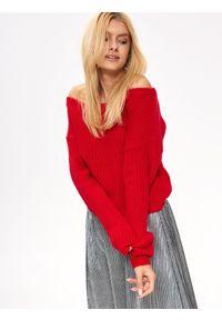 Czerwony sweter TROLL na zimę, na co dzień