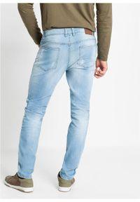 Dżinsy ze stretchem Slim Fit Straight bonprix jasnoniebieski denim. Kolor: niebieski. Wzór: aplikacja