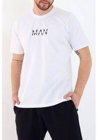 Biały t-shirt IVET na co dzień, casualowy