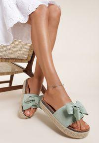 Renee - Miętowe Klapki Athizanea. Okazja: na co dzień. Nosek buta: otwarty. Kolor: miętowy. Obcas: na platformie. Styl: boho, casual