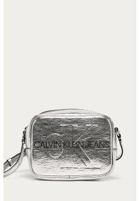 Srebrna listonoszka Calvin Klein Jeans na ramię, mała