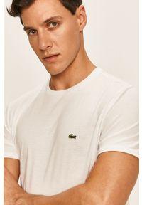 Biały t-shirt Lacoste z okrągłym kołnierzem, na co dzień