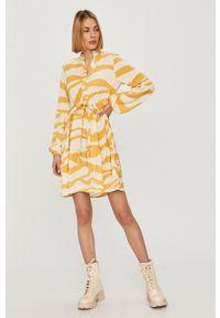 Vila - Sukienka. Kolor: żółty. Materiał: tkanina, poliester. Typ sukienki: rozkloszowane