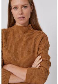 United Colors of Benetton - Sweter z domieszką wełny. Kolor: brązowy. Materiał: wełna. Długość rękawa: długi rękaw. Długość: krótkie