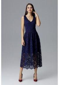 e-margeritka - Koronkowa sukienka wizytowa bez rękawów granatowa - xl. Okazja: na sylwestra, na studniówkę, na ślub cywilny, na wesele, na imprezę. Kolor: niebieski. Materiał: koronka. Długość rękawa: bez rękawów. Wzór: koronka. Typ sukienki: kopertowe. Styl: wizytowy. Długość: midi