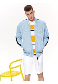 TOP SECRET - Bluza okryciowa typu bomber. Okazja: na co dzień. Kolor: niebieski. Materiał: materiał. Wzór: paski. Sezon: wiosna, lato. Styl: casual, elegancki