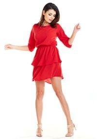 Awama - Zwiewna Krótka Sukienka z Falbankami - Czerwona. Typ kołnierza: kołnierz z falbankami. Kolor: czerwony. Materiał: poliester. Długość: mini