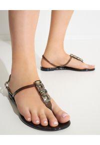 Casadei - CASADEI - Czarne sandały z kryształami. Zapięcie: pasek. Kolor: czarny. Wzór: napisy