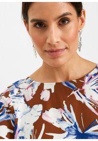 Sukienka z wiskozy bonprix ceglastobrązowy - lila niebieski w kwiaty. Kolor: brązowy. Materiał: wiskoza. Wzór: kwiaty