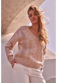 Sweter oversize MOE z dekoltem w serek