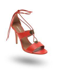 Sandały Emporio Armani w kolorowe wzory, na lato