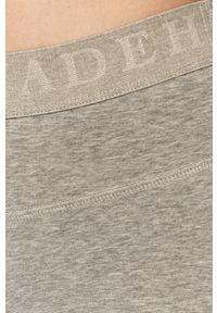 Deha - Szorty. Stan: podwyższony. Kolor: szary. Materiał: elastan, materiał, bawełna. Wzór: nadruk #2