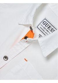 Guess Koszula L1RH01 WDLI0 Biały Regular Fit. Kolor: biały