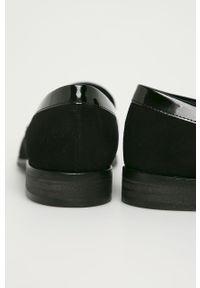 Czarne mokasyny Wojas z okrągłym noskiem, z cholewką