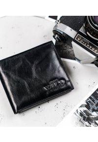 ALWAYS WILD - Portfel czarny Always Wild N2002-VTK-BOX-4558 B. Kolor: czarny. Materiał: skóra