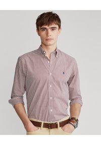 Ralph Lauren - RALPH LAUREN - Koszula w czerwoną szachownicę Custom Fit Stretch. Okazja: na co dzień. Typ kołnierza: button down, polo. Kolor: czerwony. Materiał: bawełna. Długość rękawa: długi rękaw. Długość: długie. Styl: wizytowy, casual